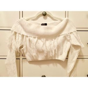 Tops - Off the shoulder white cropped sweater